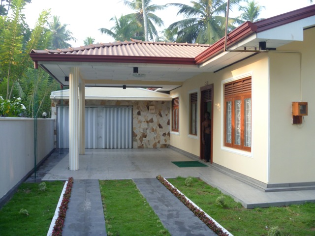 Specious house for sale at church road indigolla gampaha for Modern house plans designs in sri lanka
