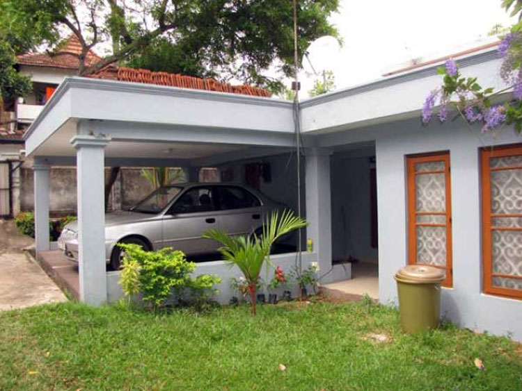 Chamenka guest house for sale in pallidora road dehiwala for Buy guest house